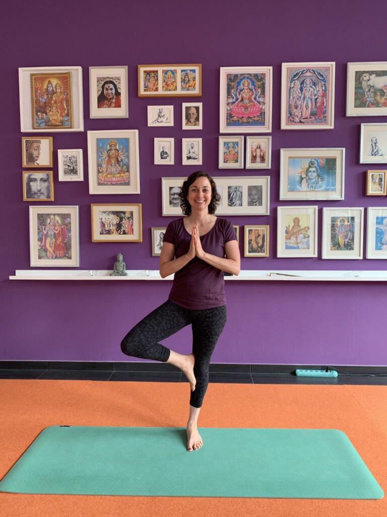Yogalehrerin Stefanie Weyrauch beim Retreat im Seminarhaus Sampurna